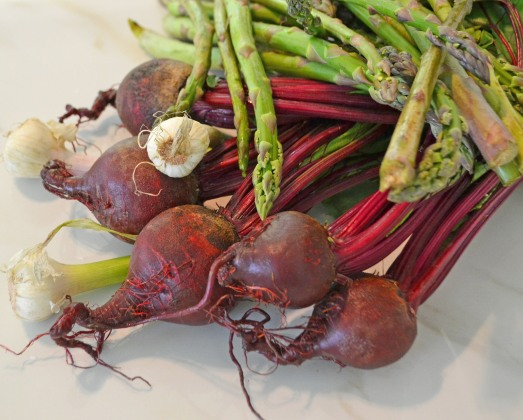 roasted beets and asparagus with farro - conveganence